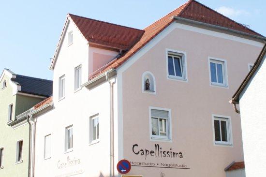 Renovierung eines Wohn- und Geschäftsgebäudes