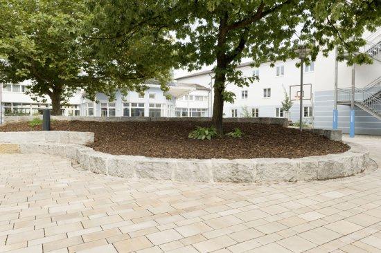 Pflasterarbeiten Schulhof Bayreuth